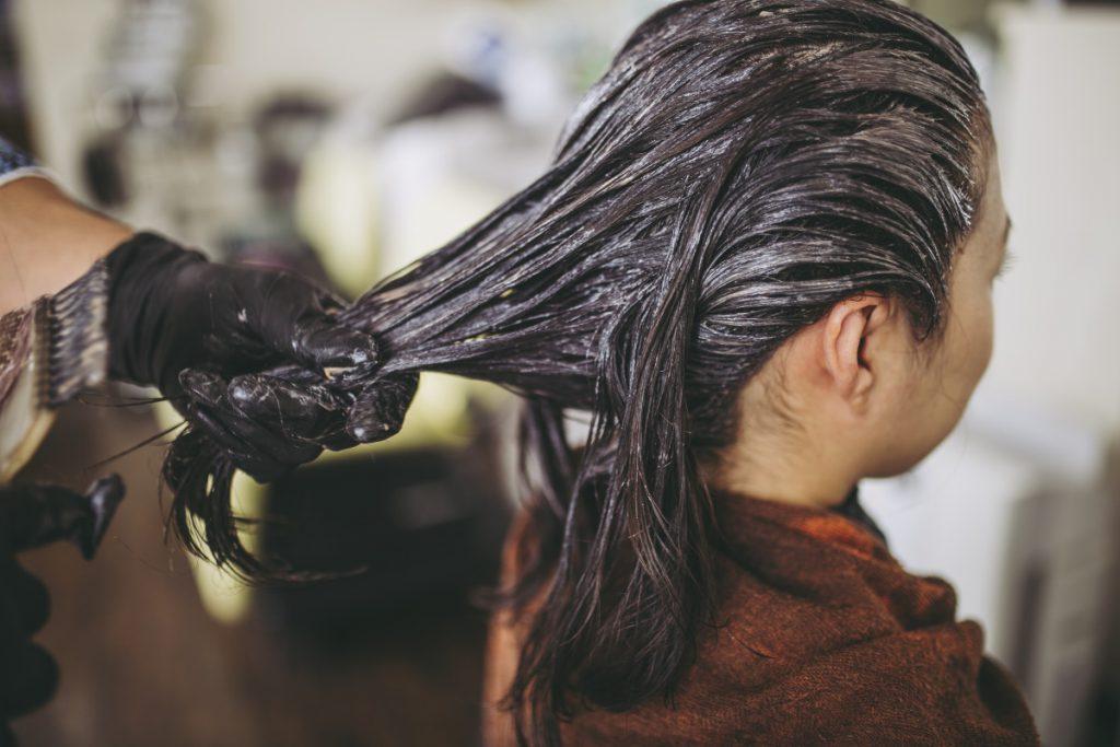 髪パサパサ